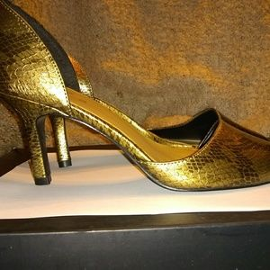 Studio 1940 heels